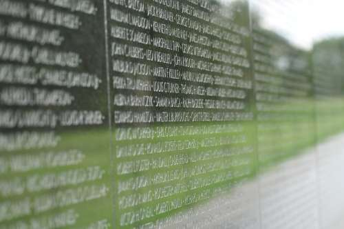 The Vietnam War Memorial, one of many war memorials in the park between Washington and Lincoln