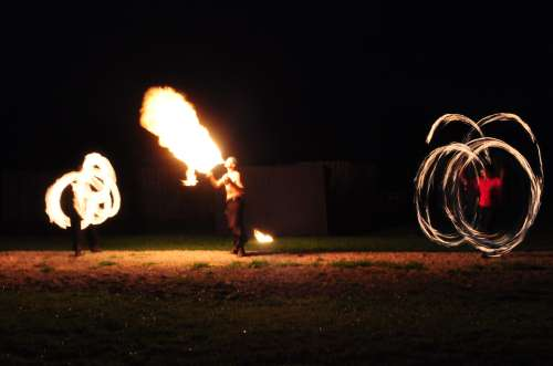 Falkenhof Spektaculum Fire Breather
