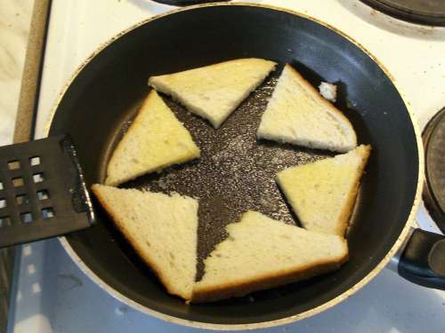 Egg Star toast quarters