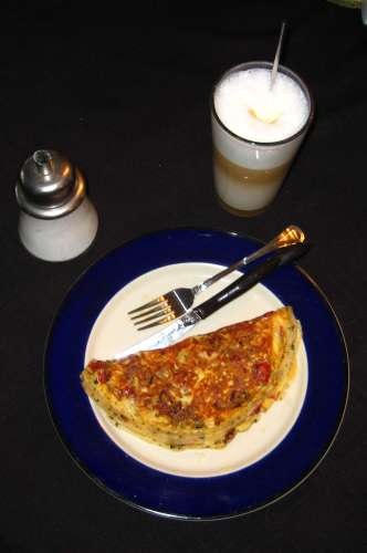 Omelette and cafe latte