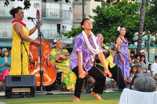 Hula Dancing and Hawaiian Music at Waikiki Beach