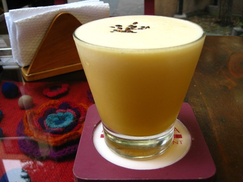 Maracuja Pisco Sour at Mama Olla's