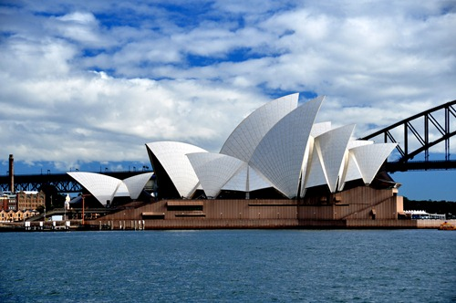 Sydney Opera House from Mrs. Macquarie's Point
