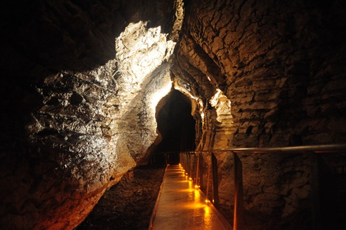 Keyhole cave formation in Ruakuri Cave, Waitomo
