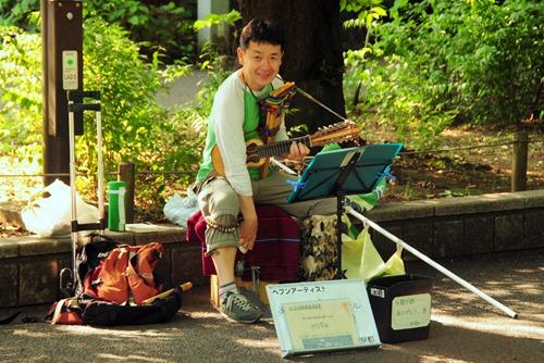 Street performer in Ueno Park, Tokyo