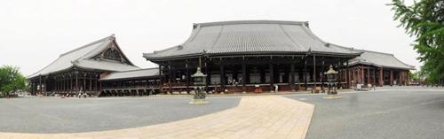Hongwanji Temple complex panorama