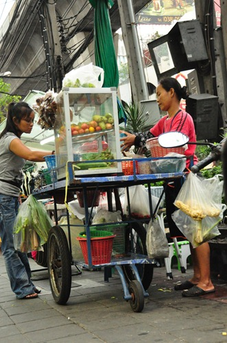 Roadside food hawker in Bangkok