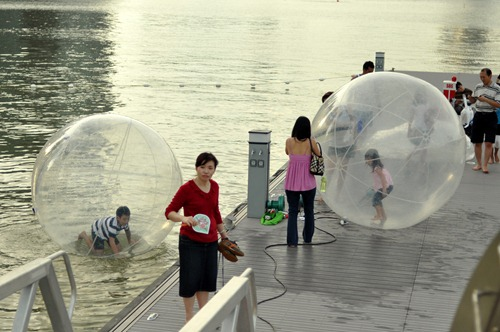 Water-hamster-wheel for children