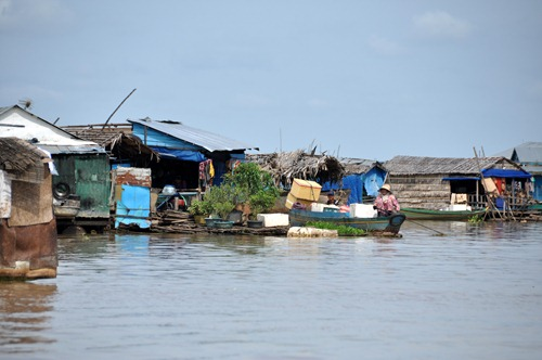 Poor families on Tonle Sap Lake's floating village