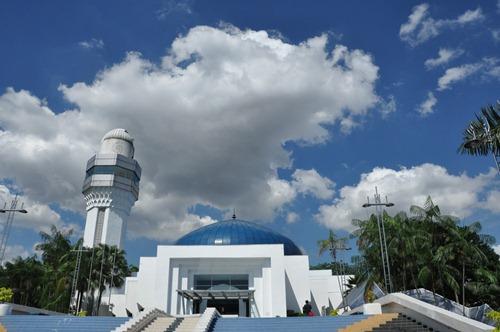 Kuala Lumpur's mosque-looking planetarium