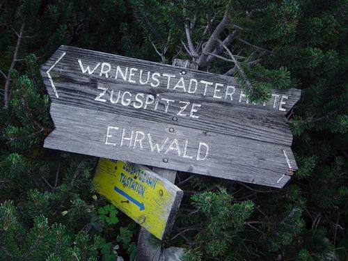 Zugspize / Ehrwald Signpost