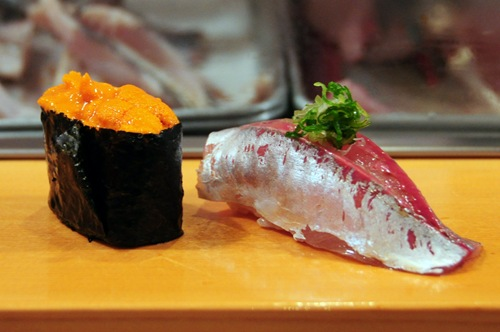 Sushi Dai - Uni (sea urchin), Aji (horse mackerel)